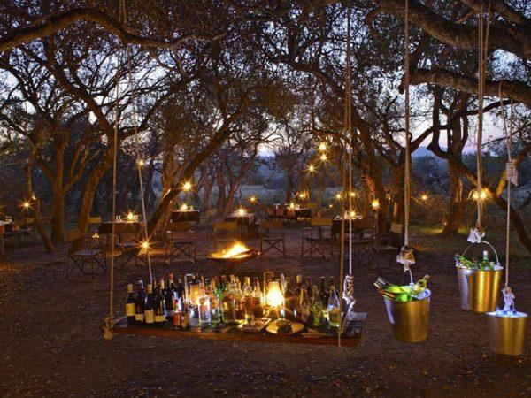 AndBeyond-Phinda-Rock-Lodge-Bar-Area