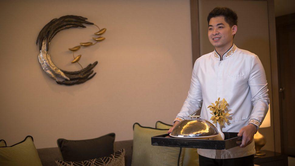 Banyan Tree Bangkok In Suite dining