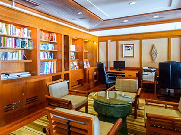 Banyan Tree Phuket Library