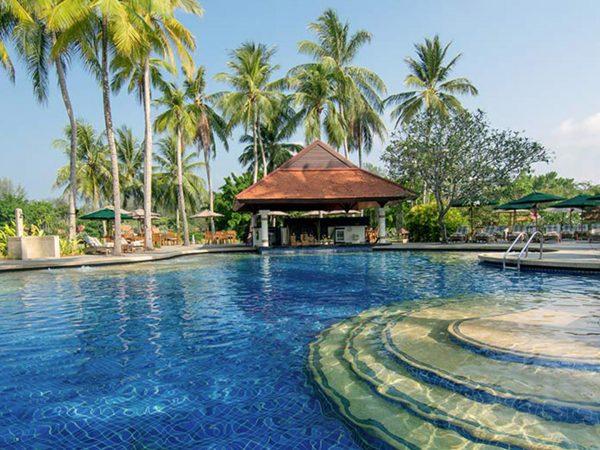 Banyan Tree Phuket pool bar