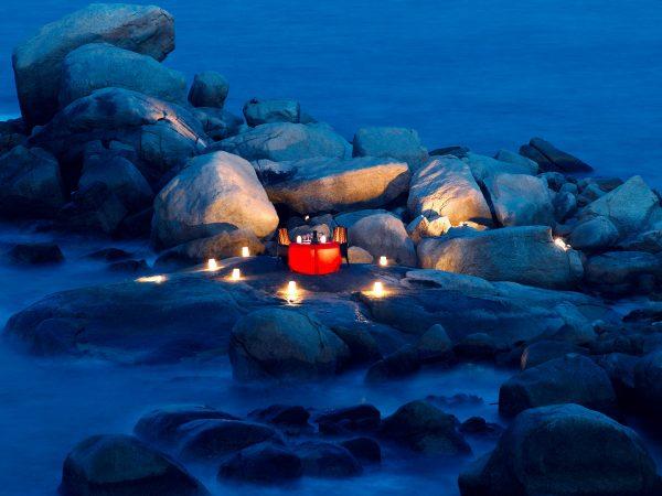 Banyan tree bintan restaurant dinner on the rocks