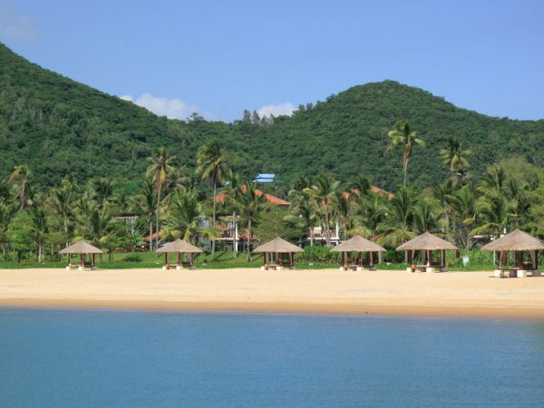 Banyan tree sanya beach