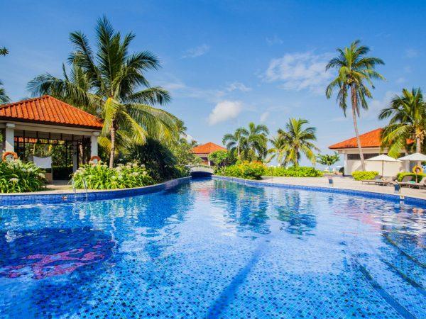 Banyan tree sanya pool