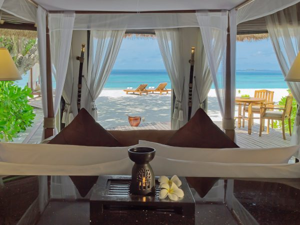 Banyan tree vabbinfaru beachfront pool villa view