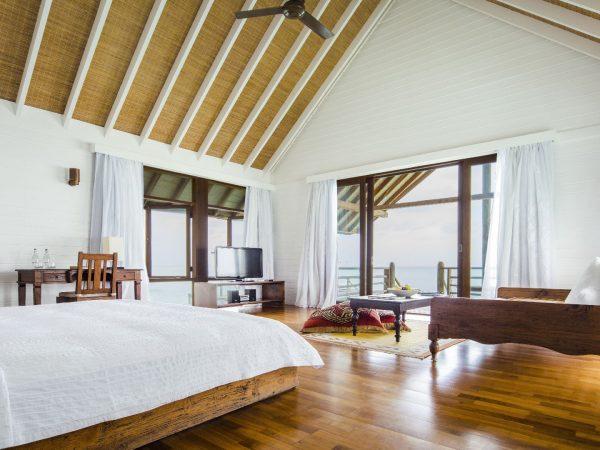 Como Cocoa Island Villa Master Bedroom