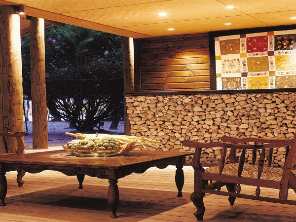 Como Cocoa Island Reception Lobby