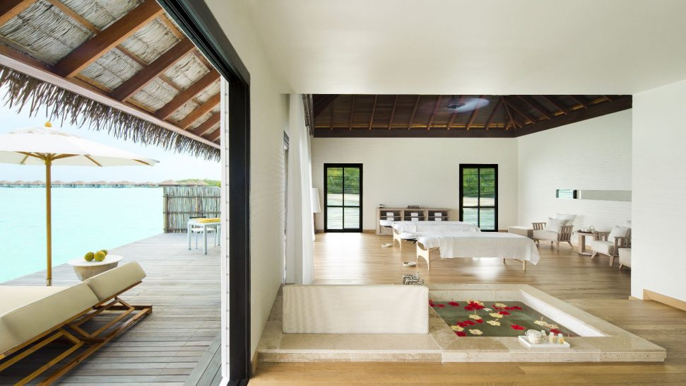 Como_Maalifushi-Maldives-Shambhala-Boardwalk-Shambhala-Shambhala-Spa-Double-Treatment-Room