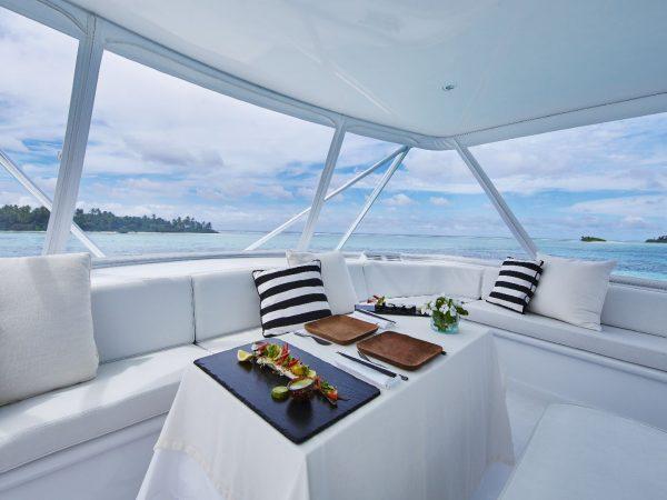 Como_Maalifushi-Maldives-Room-Cameron-Yacht- Interior