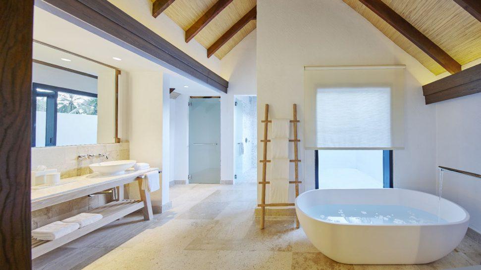 mm963_COMO_Maalifushi_Bathroom
