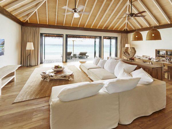 Como_Maalifushi-Maldives_Water-Villa-Living-Dining