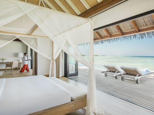Como_Maalifushi-Maldives-Villa-Master-Bedroom