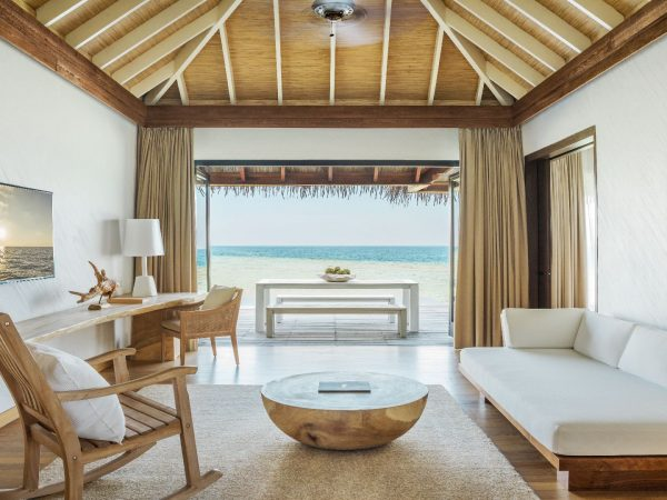 Como_Maalifushi-Maldives-Study-Room