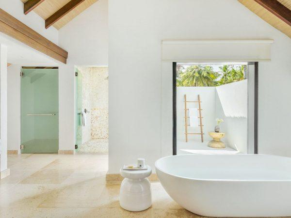 Como_Maalifushi-Maldives-House-Bathroom