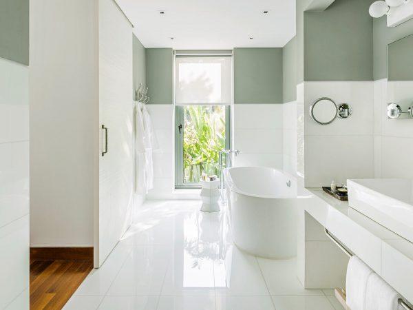 COMO Point Yamu Three Bedroom Andaman Pool Villa Bathroom
