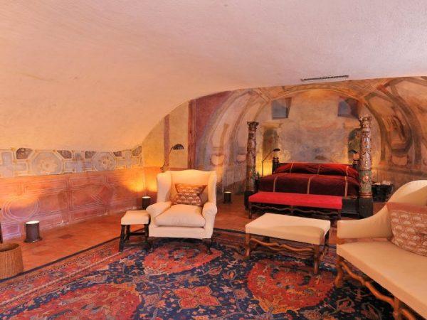 Chateau De Bagnols suites chateau