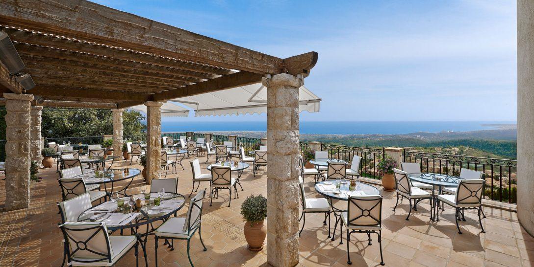 Chateau Saint Martin dining