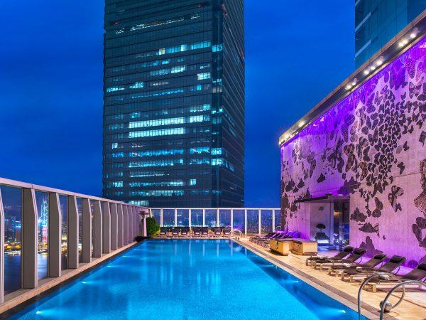 Hong Kong The Landmark Swimming pool