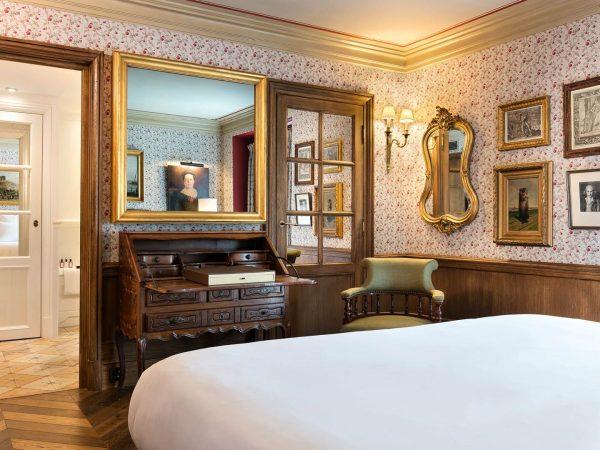 La Bastide De Gordes Hotel Bedroom