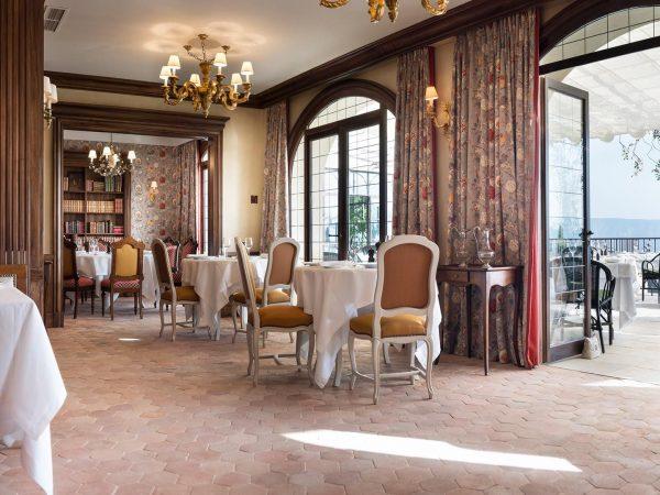 La Bastide De Gordes restaurant la citadelle dining