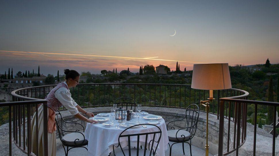 La Bastide De Gordes restaurant la citadelle terrace night