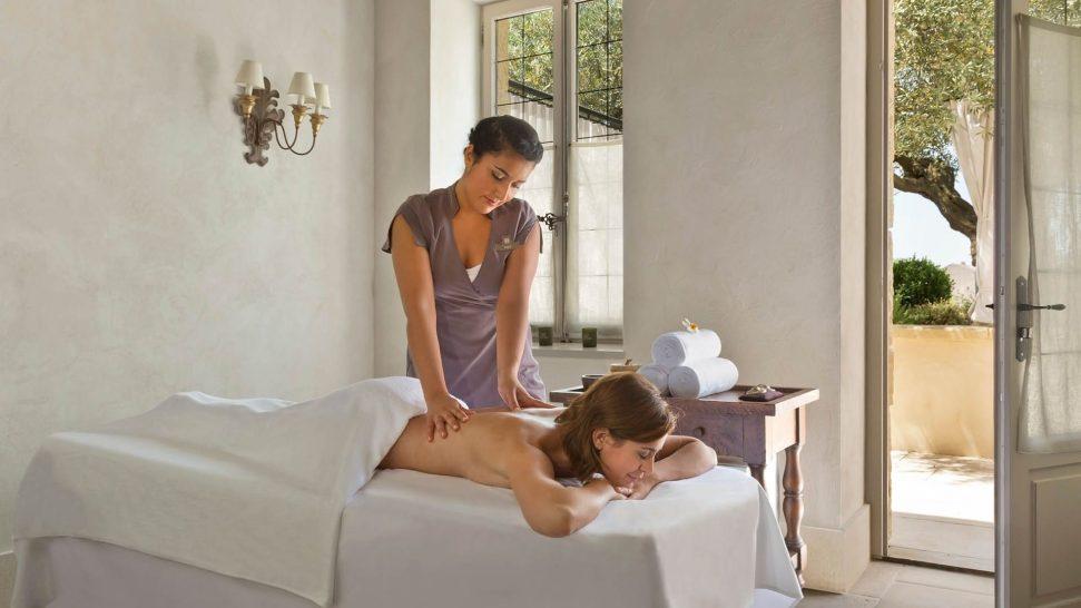La Bastide De Gordes spa sisley massage