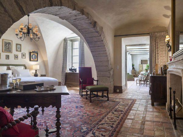 La Bastide De Gordes suite baron de simiane living room fireplace