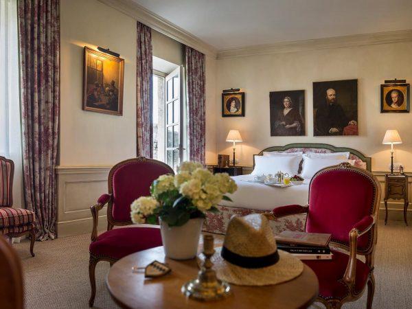 La Bastide De Gordes vasarely suite bedroom