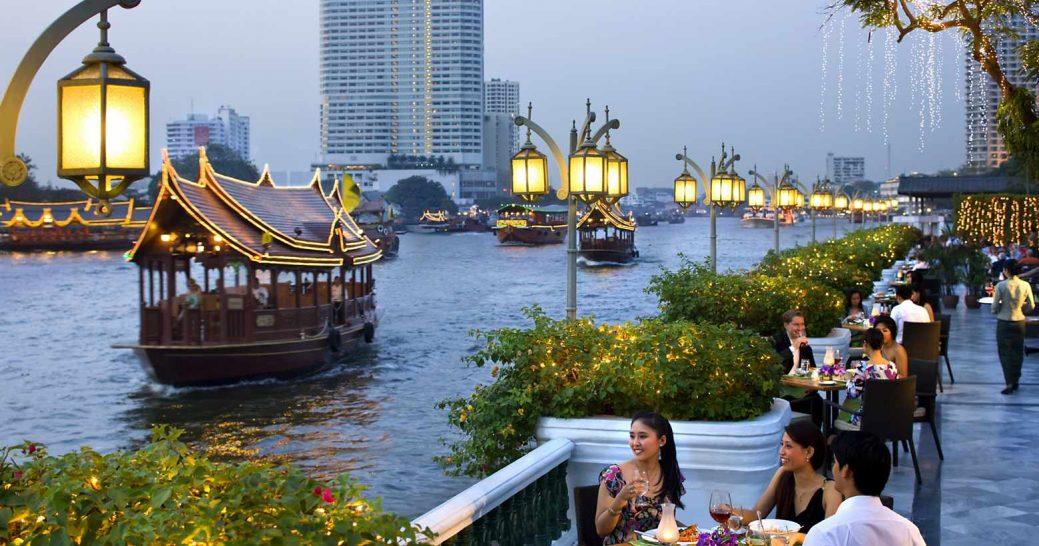 Mandarin Oriental Bangkok riverside dining
