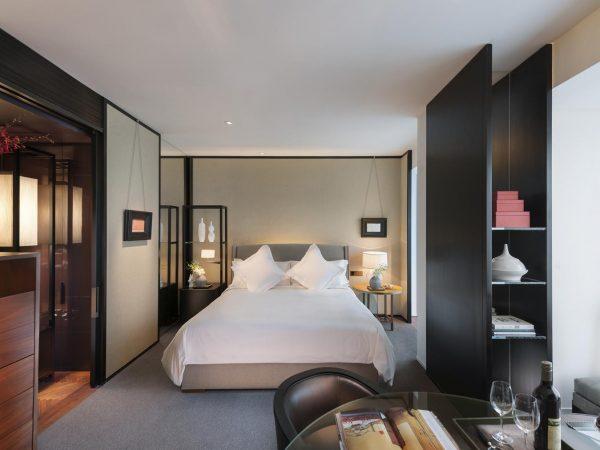 Mandarin Oriental Guangzhou Deluxe Room