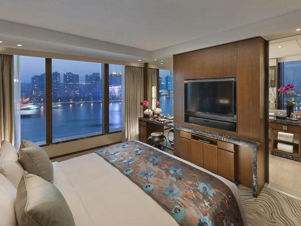 Mandarin Oriental Pudong shanghai harbour city suite