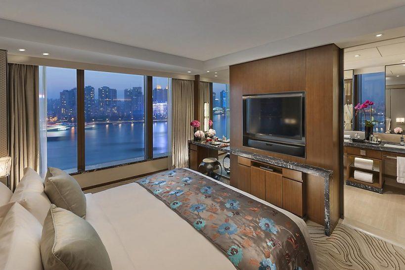 Mandarin Oriental Pudong shanghai river view suite
