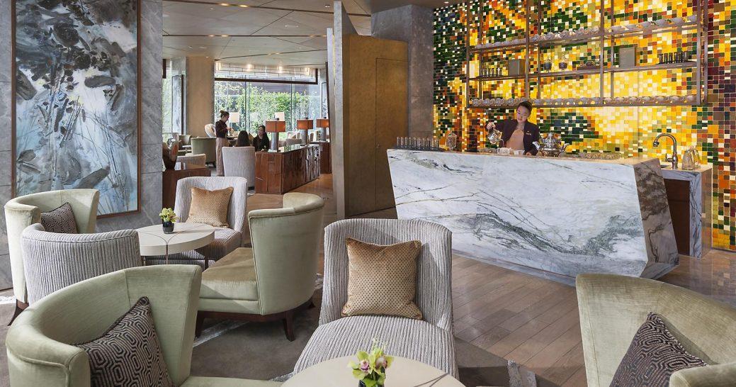 Mandarin Oriental Pudong shanghai Riviera Lounge