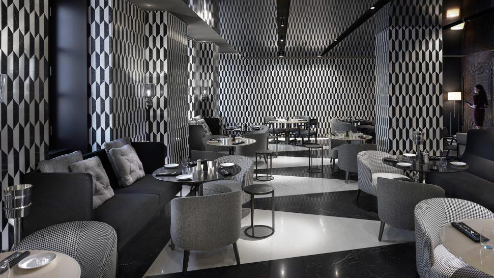 Mandarin Oriental Milan Mandarin Bar & Bistrot Courtyard