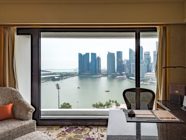 Mandarin Oriental Singapore club marina bay room