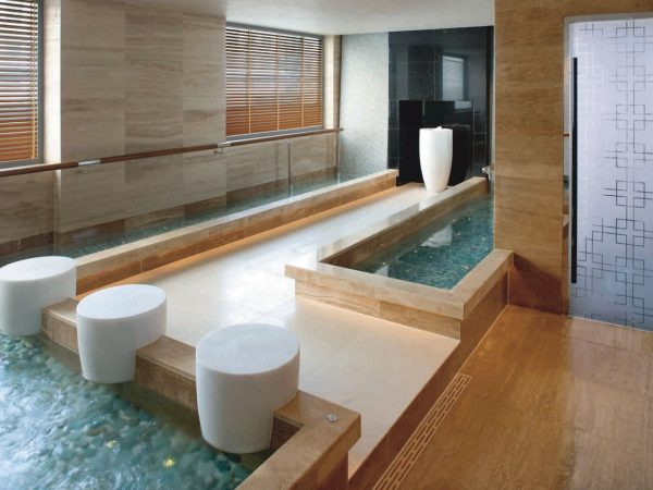 Mandarin Oriental hong kong spa pool
