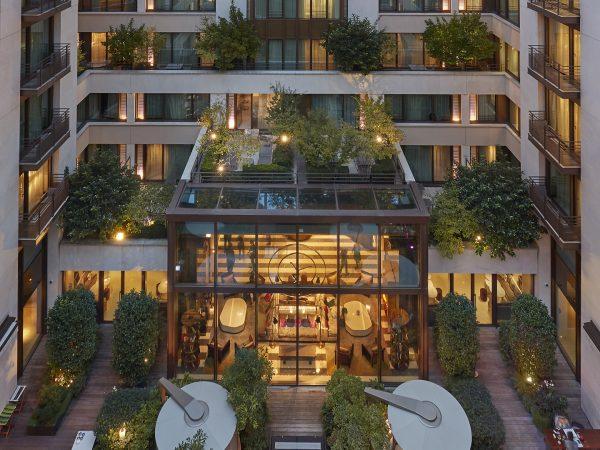 Mandarin Oriental paris Exterior Courtyard