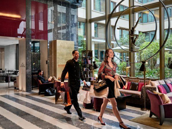 Mandarin Oriental paris Lobby Shopping
