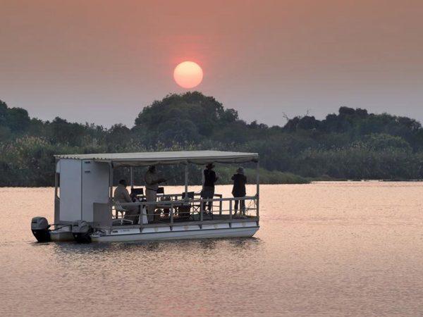 Matetsi River Lodge boat cruise