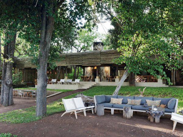 Matetsi River Lodge camp