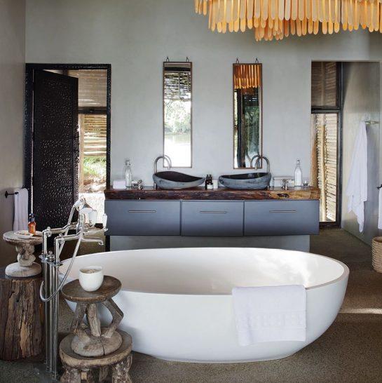 Matetsi Victoria Falls River Lodge Suite Bathroom