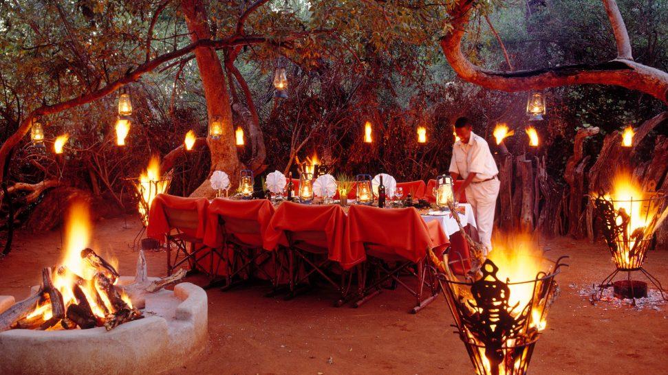 Sanctuary Makanyane Safari Lodge restaurant dinner