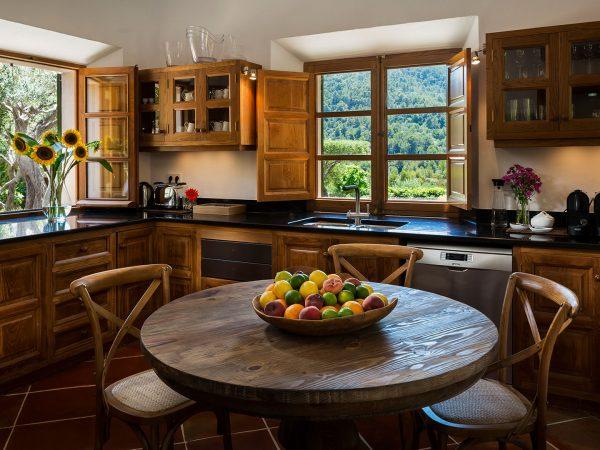 Son Bunyola Balagueret kitchen shared spaces