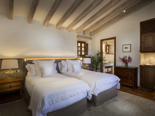 Son Bunyola punta bedroom