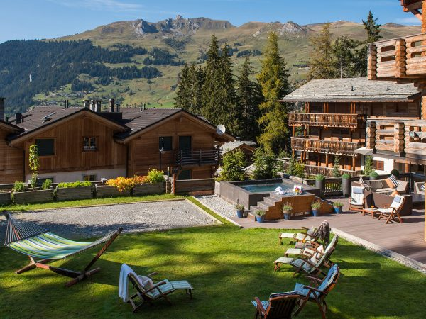 The Lodge Switzerland Summer Garden