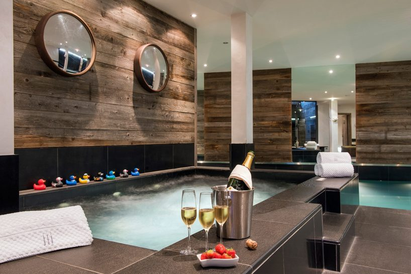 The Lodge Verbier Jacuzzi