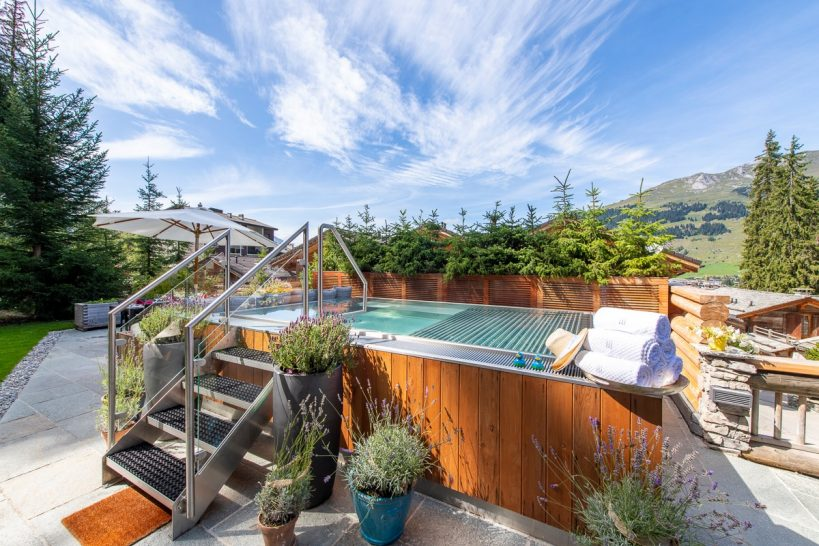 The Lodge Verbier Outdoor Jacuzzi