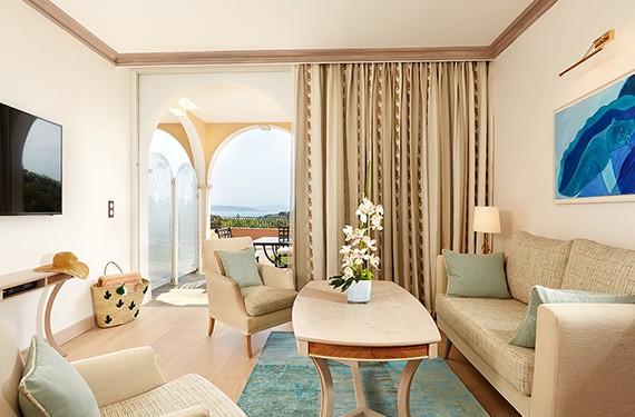 Chateau de la Messardière Two room suite