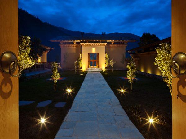 COMO Uma Punakha courtyard
