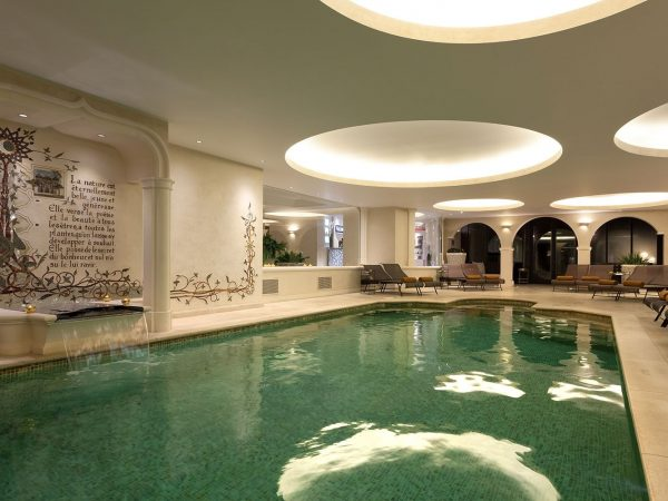 le chateau de la messardiere spa pool
