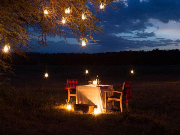 mahali mzuri bush Dining
